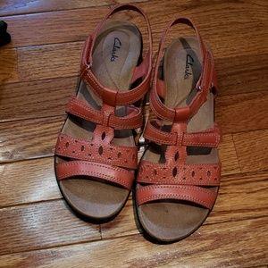 Clark's leather sandals euc size 9.5